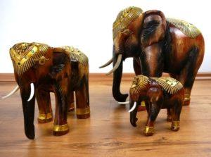 Holzelefant, Rüssel unten