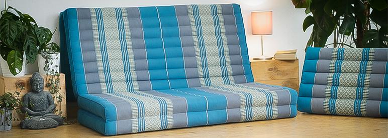 Klappmatratze blau aufgeklappt Polster Wohnzimmer Sofa